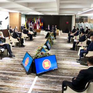 ASEAN-maiden johtajat kokoontuvat Jakartassa Indonesiassa.