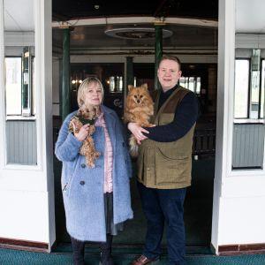 Ravintolan uusi omistaja on Airi Kallion perheyritys. Toiminnassa ovat mukana myös poika Leo Kallio sekä koirat Greta ja Tirri.