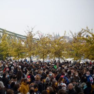 Mielenosoittajia Budapestissa.