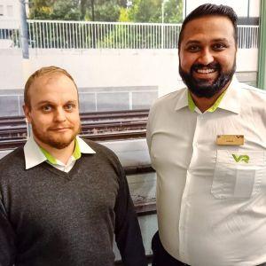 Junatyön esimies Teppo Salonen ja lähiliikennekonduktööri Jarkko Karlsson