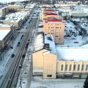 Kaupunkia voi talvellakin tarkkailla terassilta tai halutessaan lämpimästä lasien takaa.