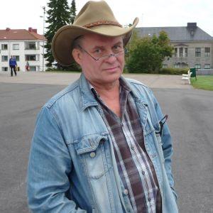 Rovasti Heikki Karasti.