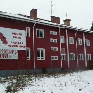 Ruikan vanha koulu Rovaniemen Ruikan kylässä.
