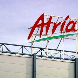 Atria-kyltti Nurmon tehtaan katolla.