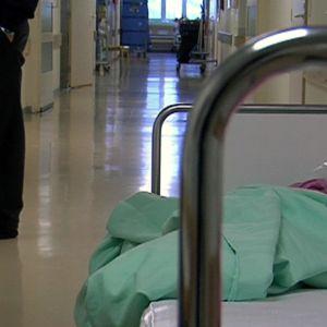 Varkauden sairaalan käytävä.