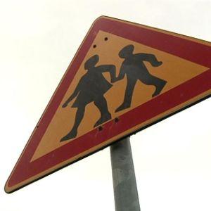 Lapsista kertovat liikennemerkki.