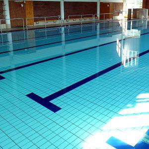 Lappeenrannan Lauritsalan uimahalli elokuussa 2012, ennen perusparannusta.
