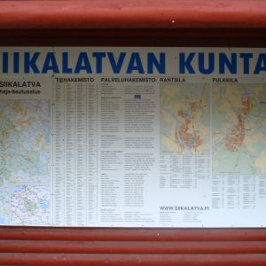 Siikaltavan kuntataulu Uljuan padon pysähdyspaikalla 2012.