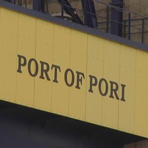 Porin satama nosturi  Port of Pori