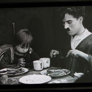 Vanha Chaplin-elokuva elokuvaharrastaja Kari Glödstafin kokoelmista.