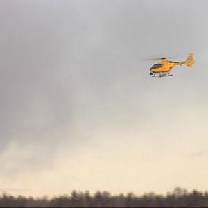 Itä-Suomen lääkärihelikopteri lähdössä ilmaan Joroisten lentokentältä.
