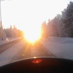Häikäisevä aurinko