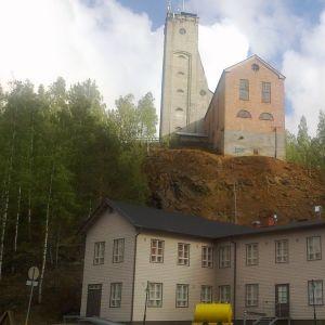Outokummun vanhan kaivoksen päärakennuksia