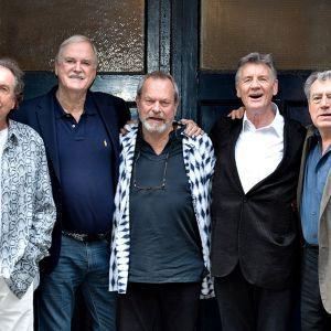 Eric Idle, John Cleese, Terry Gilliam, Michael Palin ja Terry Jones.
