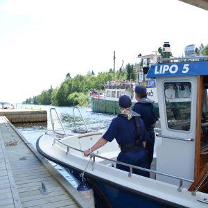 Vesiliikennevalvontaa Kallavedellä.