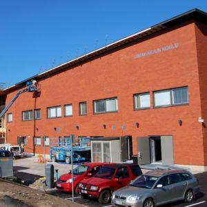 Uimaharjun koulun korjaustyöt jatkuivat syyslukukauden alkaessa.