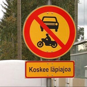 Läpiajo kielletty mooottoriajoneuvolla