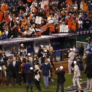 Fanit juhlivat Giantsin mestaruutta.