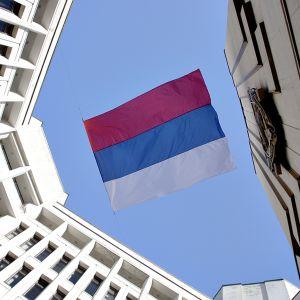 Venäjän lippu liehuu Krimin parlamenttitalossa Simferopolissa.