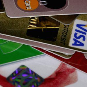 Kuvassa luottokortteja.