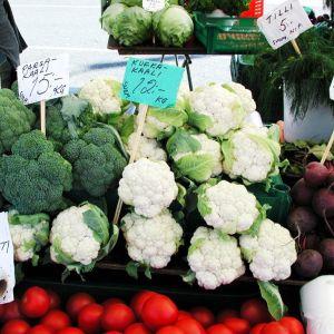 Antibioottikuurin jälkeen suolisto kaipaa terveellistä ja monipuolista ravintoa. Varsinkin parsakaalissa on paljon suolistoa suojaavaa ainetta.