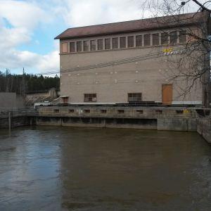 Helen Oy:n vesivoimalaitos Kymijoen Ahvenkoskessa.