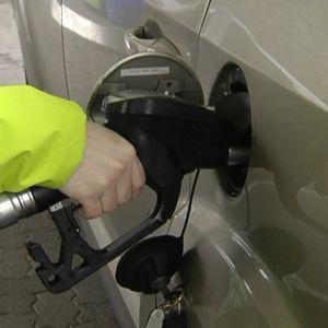 Diesel-autojen osuus henkilöautokannasta kasvaa monissa Euroopan maissa.