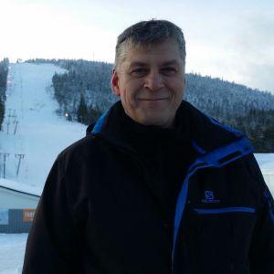 Kari Tirkkonen Suomu-tunturilla joulukuussa 2015