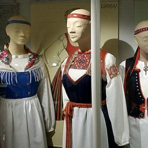 Kansallispukuja Suomen Käsityön museossa
