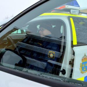 Ruotsin poliisi Haaparannalla.