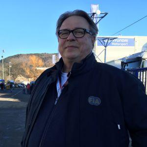 FIA:n rallipomo Jarmo Mahonen haluaa viedä MM-rallisarjan uusien yleisömassojen eteen.