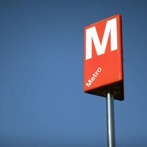 Metron kyltti Helsingin Hakaniemessä.