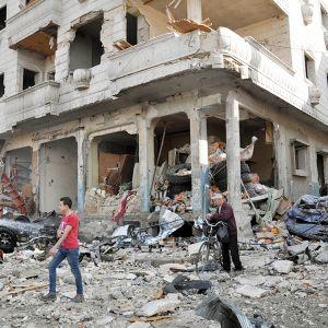 Katunäkymä Homsista pommi-iskun jälkeen helmikussa 2016
