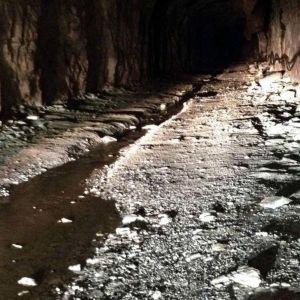 Nordkalkin tutkimustunneli Lappeenrannassa on noin 120 metrin syvyydessä maan alla. Tunneli on noin viisi metriä leveä ja viisi metriä korkea.