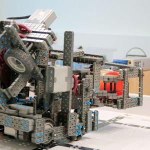 Robotti pöydällä