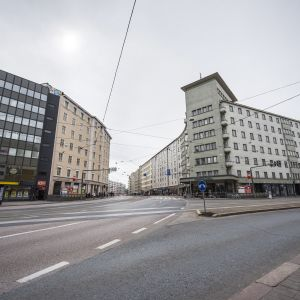 Hämeentien ja Helsinginkadun risteys Sörnäisissä Helsingissä.