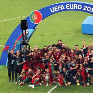 Portugali juhlii Euroopan mestaruutta.