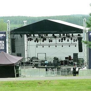 Uuden rock-festivaalin lava nousee järvimaisemiin Laukaan Peurungass.a