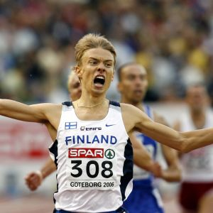 Jukka Keskisalo juhli EM-kultaa vuonna 2006.