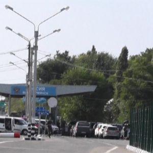 Venäjän ja Ukrainan hallinnassa olevien alueiden välinen raja Krimin niemimaalla 11. elokuuta.