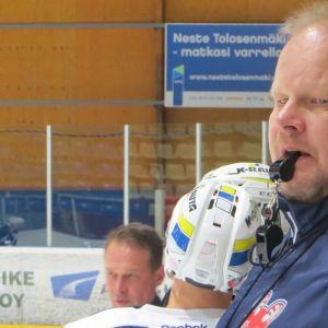 Pasi Räsänen haluaa johdattaa SaPKon pudotuspeleihin.