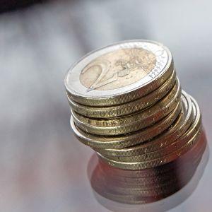 Kahden euron kolikoita