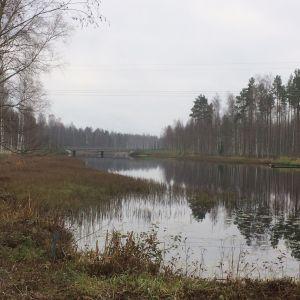 Ähtävänjokea pitkin on kuljetettu paljon puuta ja tervaa.
