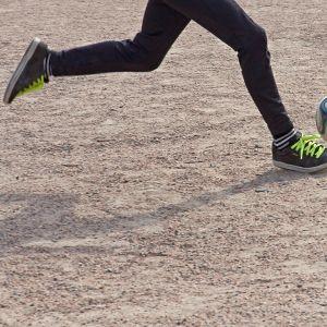 Jalkapallon peluuta.
