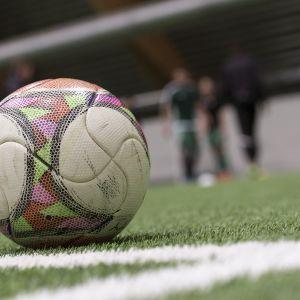 Jalkapallo KPV:n harjoituksissa.