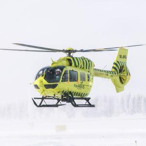 FinnHemsin lääkintähelikopteri talvimaisema