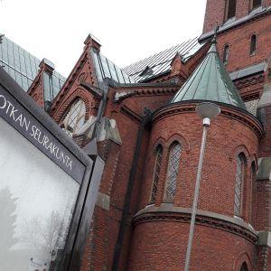 Kotkan kirkko huhtikuussa 2017.