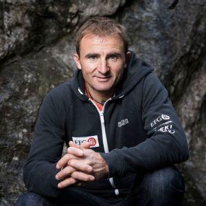 Kiipeilijä Ueli Steck kuvattuna 11. syyskuuta 2015 Sveitsissä Bernin kantonissa.