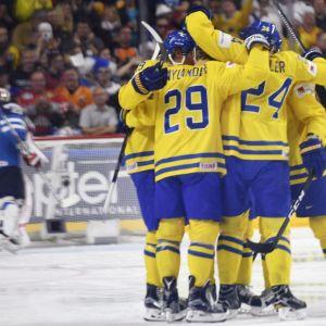 Ruotsi juhlii maalia.