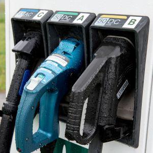 Sähköauton pikalatauspiste, latauspiste Ensto Turku energia